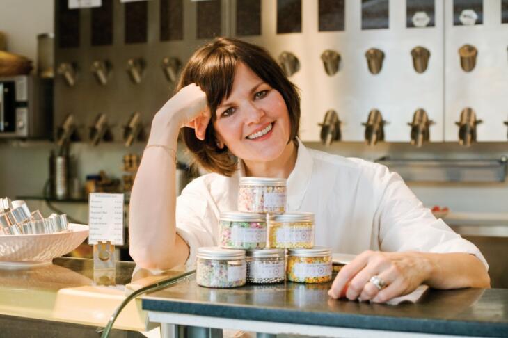 Cynthia Barcomi kocht und backt aus Leidenschaft - die man ihr, wie ich finde, auch in ihren Büchern anmerkt.     Foto: Jackie Hardt