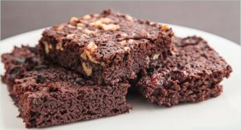 Superschokoladige Brownies mit Nüssen