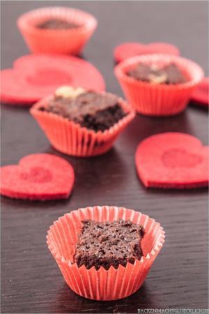 Brownie-Konfekt mit Nüssen