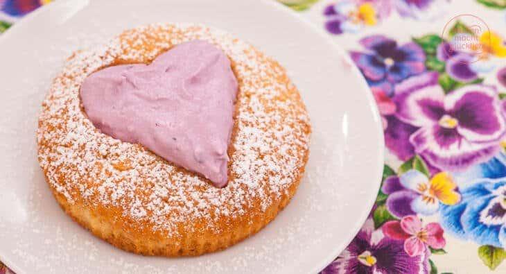 Herz Cupcakes mit Beeren