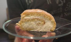 Zitronen-Biskuit-Rolle