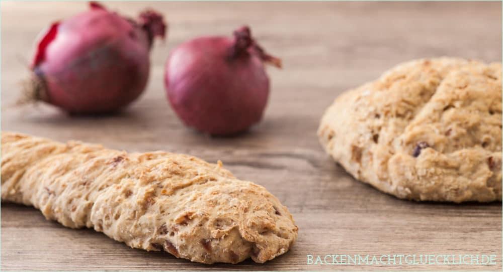 Selbstgemachtes Zwiebel-Brot mit Balsamico - Backen macht glücklich