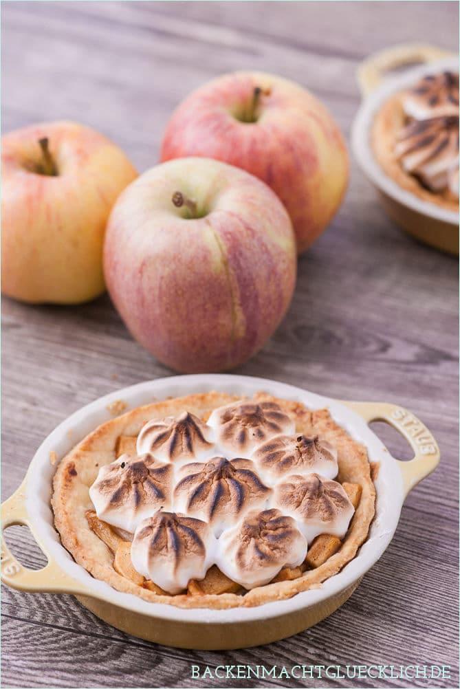 Apfel-Törtchen mit Baiser