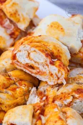 gefülltes Pizzabrot