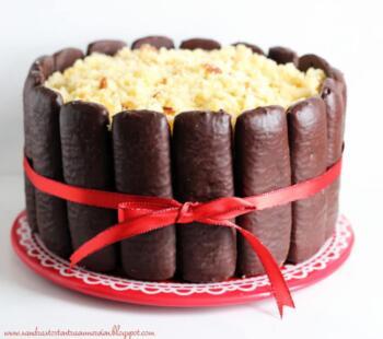 Kleine Weihnachtstorte (Vanilla-Gingerbread-Cake)