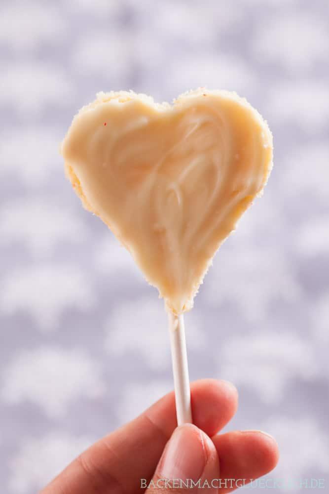 Herz Cake Pops