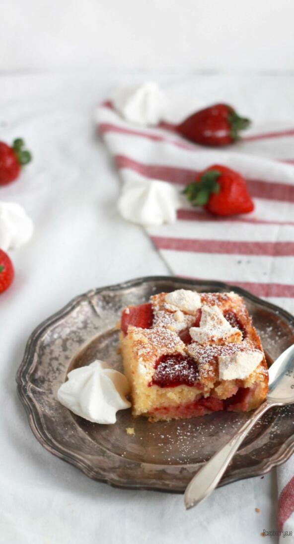 Eton Mess Cake Erdbeerkuchen mit Baiser