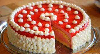 Erdbeer-Buttermilch-Torte