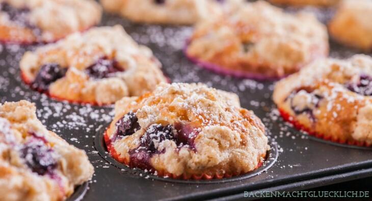Blaubeer-Muffins mit Streuseln