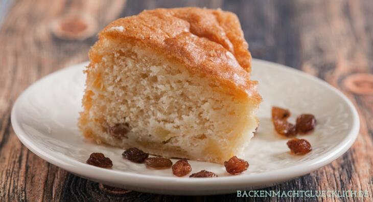 Glutenfreier Kuchen mit Äpfeln und Rosinen