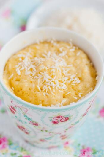 Kokos-Tassenkuchen mit Zitrone