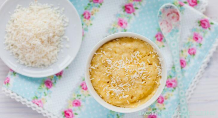 Tassenkuchen mit Kokosraspeln
