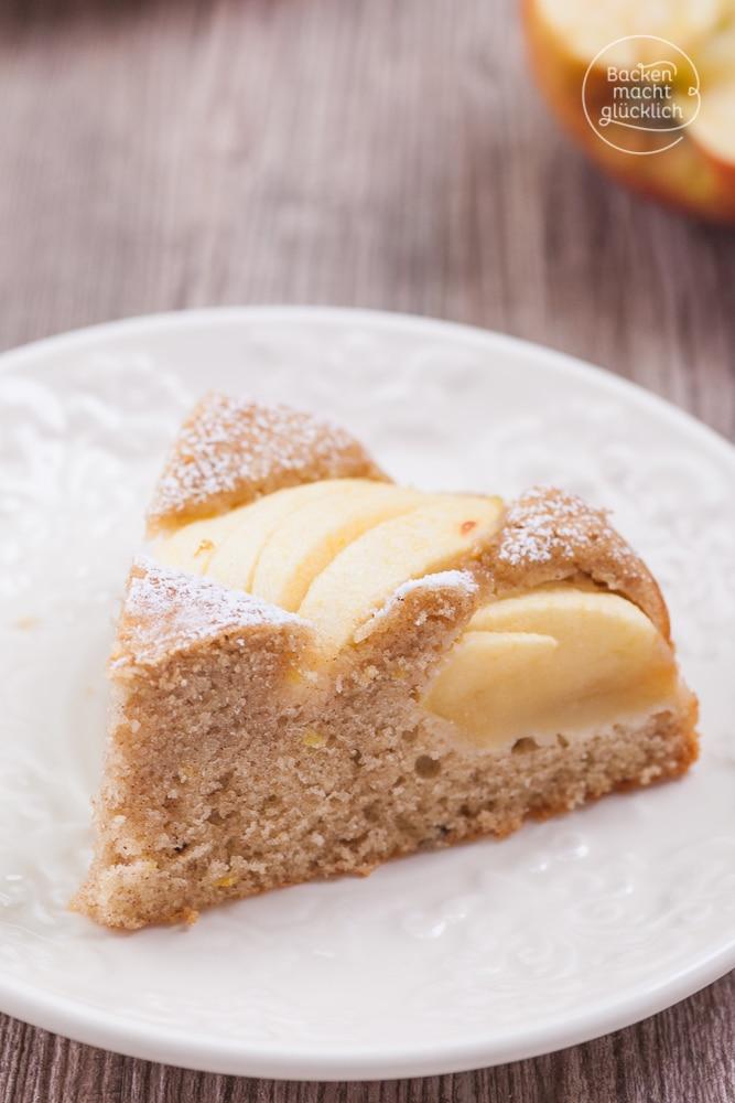 Gesunder fettarmer kalorienarmer Vollkorn-Apfelkuchen