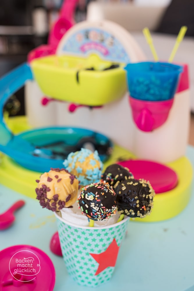 Einfache Cake Pops für Kinder