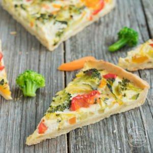 Gemüsequiche mit Ziegenkäse vegetarisch