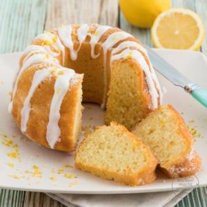 Saftiger Zitronen Joghurt Kuchen