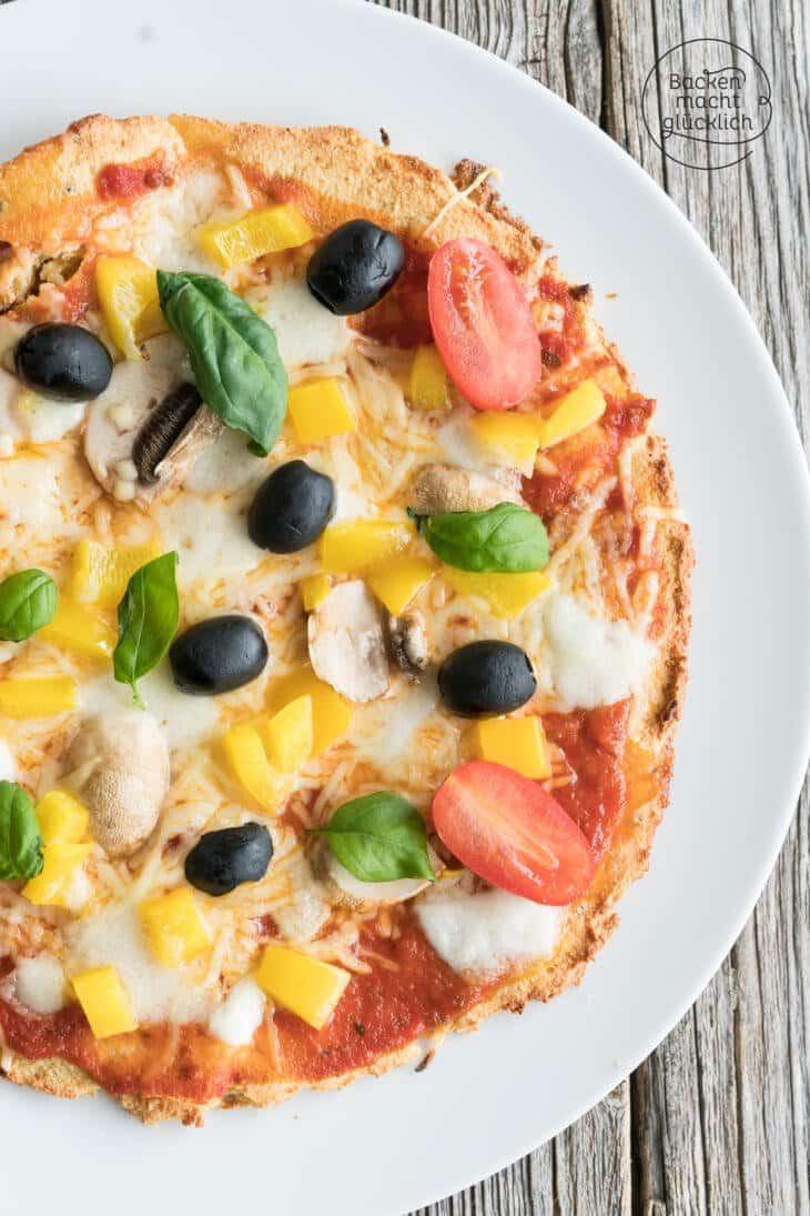 Low Carb Pizzateig mit Mandeln