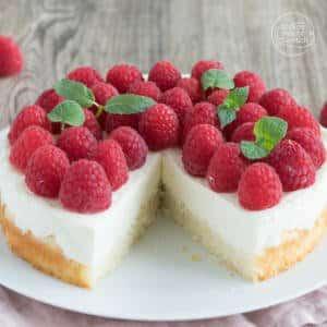 Schnelle Himbeer-Torte mit Schmand