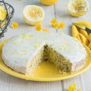 Saftiger Zitronen-Mohn-Kuchen