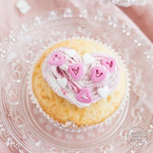 einfache Valentinstag-Cupcakes