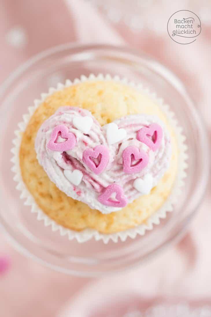 Einfache Valentinstag Cupcakes Mit Herz Backen Macht Glucklich
