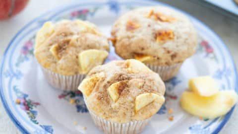 Einfache saftige Apfel-Muffins mit Joghurt
