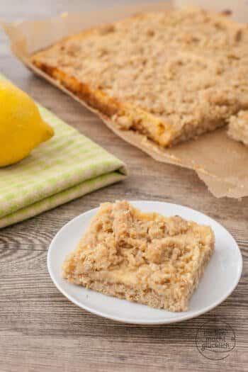 Zitronenkuchen mit Streuseln