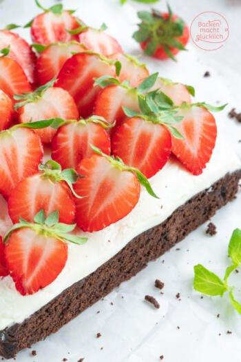 Schoko-Brownies mit Erdbeeren