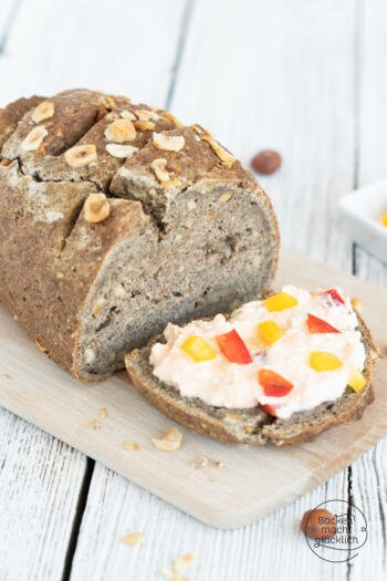 Einfaches Low Carb Nussbrot