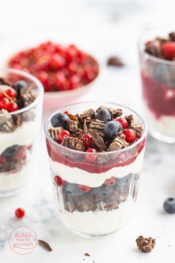 Quark Joghurt Beerendessert im Glas