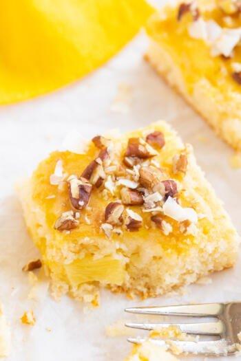Kuchen mit Ananas und Joghurt